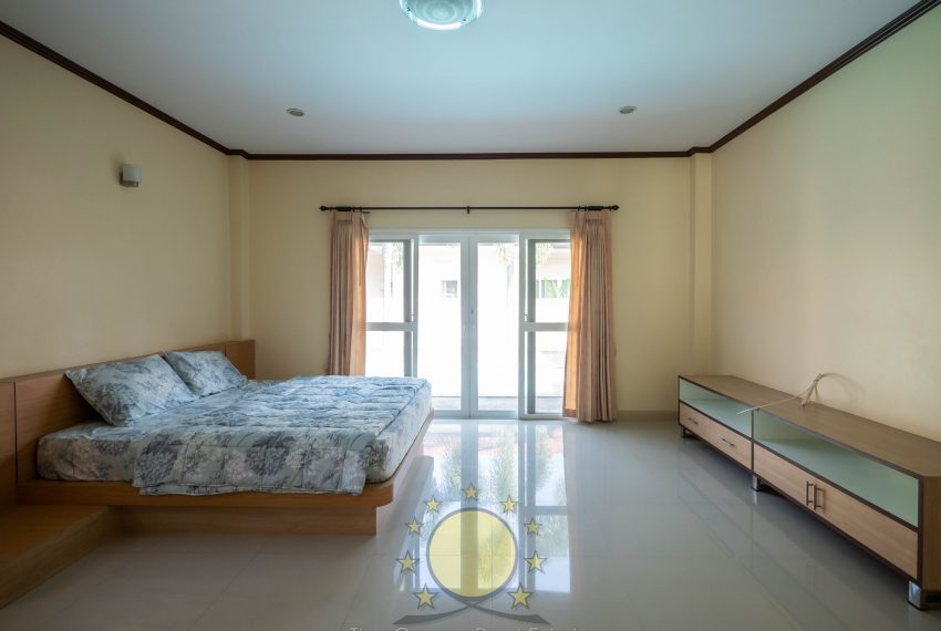 property house with private swimming pool for rent in chalong phuket