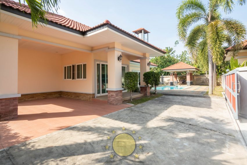 house with private swimming pool for rent in chalong phuket